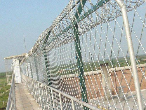 监狱刀刺隔离网