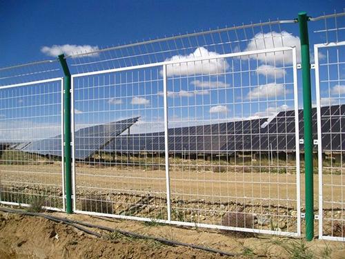 光伏太阳能网围栏