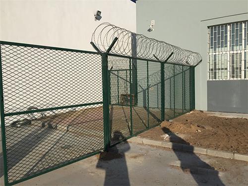 监狱隔离网图1