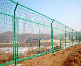 防护网在高速公路上起到的作用